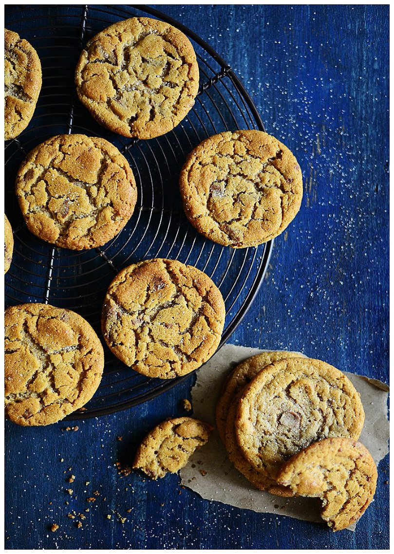 Peanut Butter Cookies w/ milk chocolate chunks l by Fit, fun & delish!