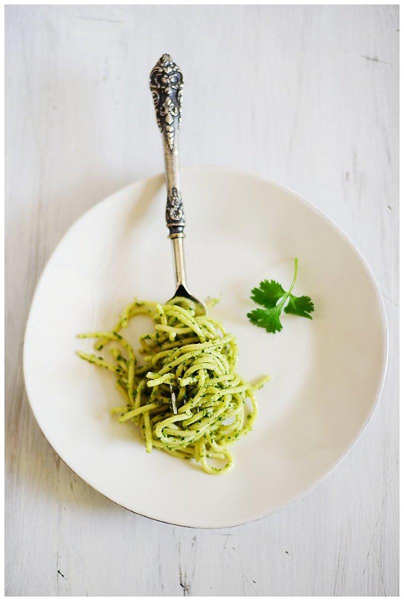 Spaghetti wiht Parsley/Cilantro Pesto l by fit, fun & delish!