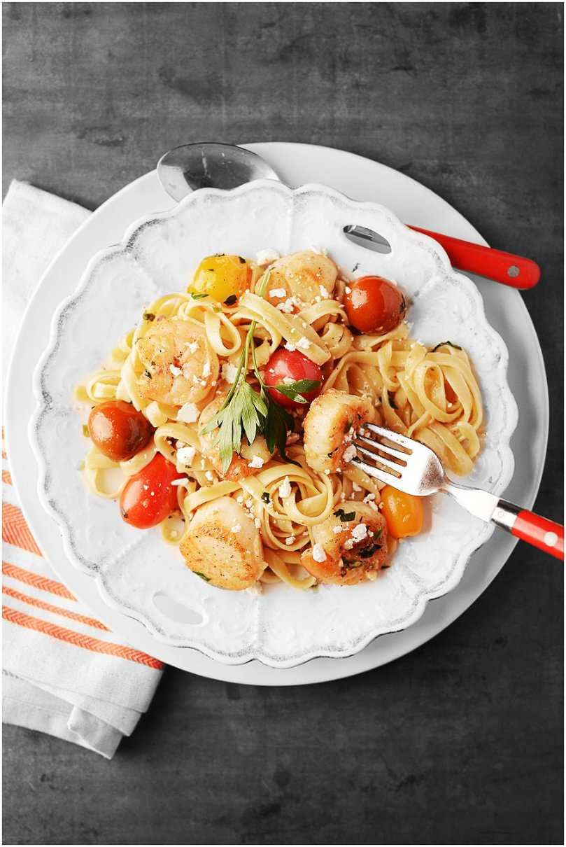 Shrimp & Scallop Fettuccine served with a light garlicky white wine sauce