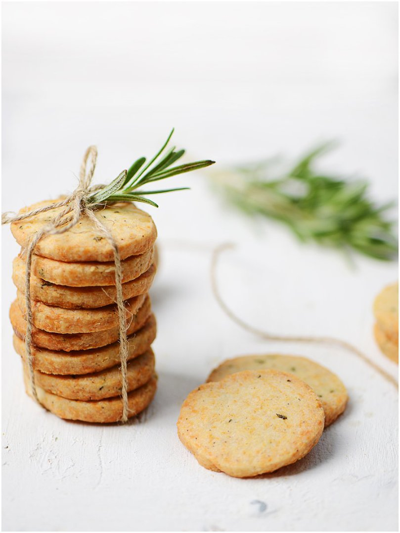 Parmesan & Rosemary Crackers