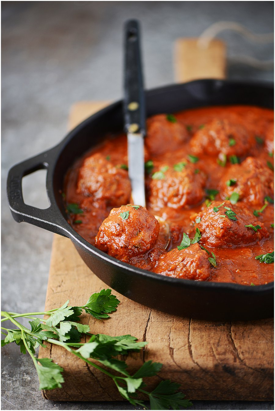 Melt in your mouth Italian Meatballs without the guilt! I'm a fan of using 96% ground beef to keep my recipes healthy, pack with protein and low fat!