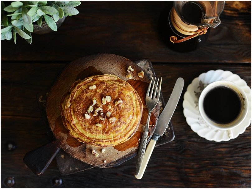 These Protein Pumpkin Pancakes are super healthy, delicious and so easy to make!