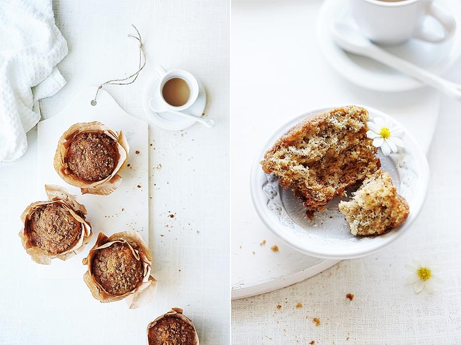 Banana Crumb Muffins by Muy Delish