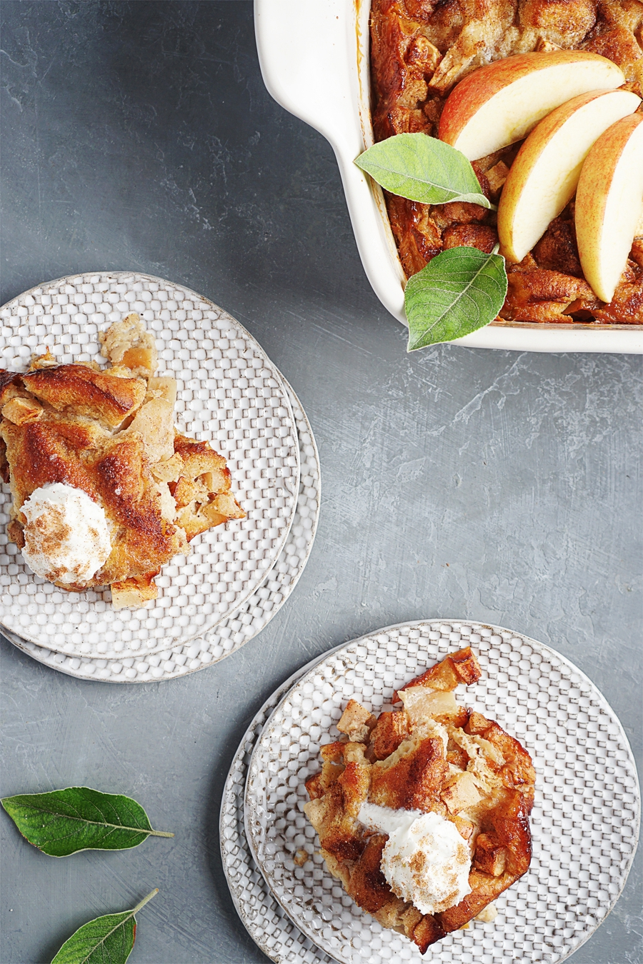 Light Apple Bread Pudding by Muy Delish