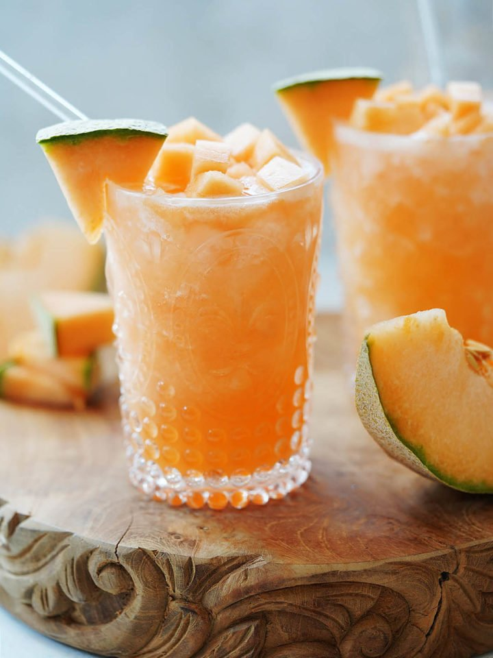 Two glasses with cantaloupe water